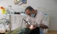خانمی که بخاطر قصور دندانپزشکان دندان های جلویی خود را از دست داد