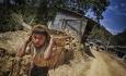 تقصیر جرم بر گردن فقر و تاوانش بر دوش فقراست