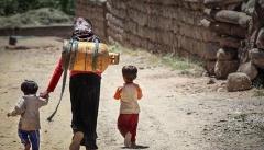 فقر جامعه را از ارزش های انسانی دور می کند