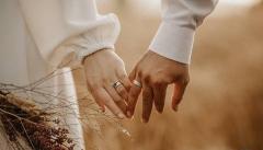 خوشبختی در زندگی زناشویی ساده می شود